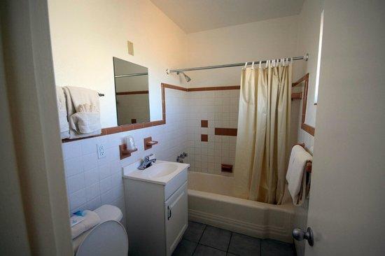 Gulf Beach Inn : Badezimmer