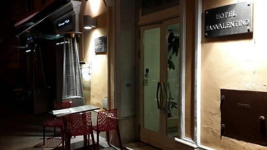 Hotel San Valentino: Entrance