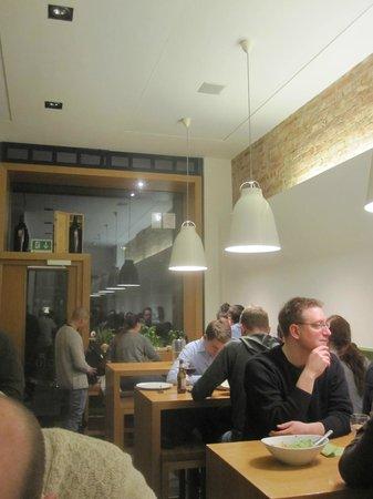 piu trattoria & espresso bar: Relaxed atmosphere