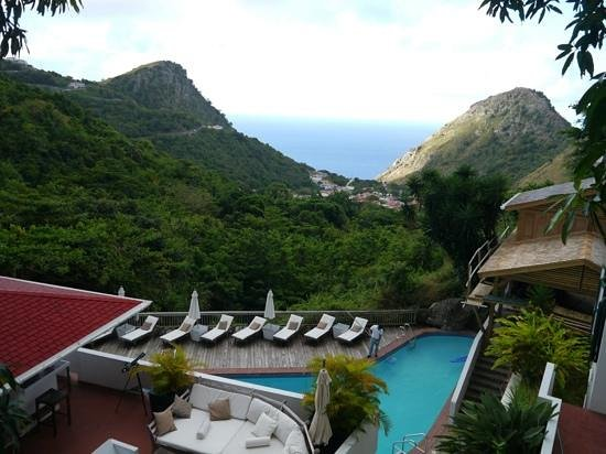 Hampshire Hotel - Queen's Garden Resort: Saba morning