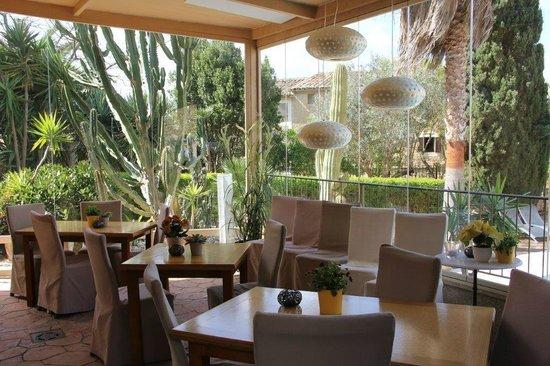 Hotel Sant Salvador: Restaurant outside