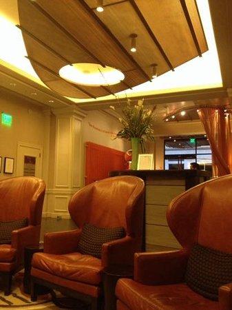 Hotel Abri: hall