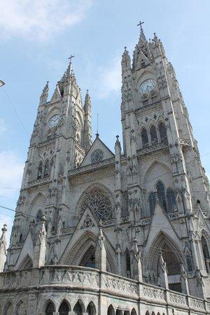 Basílica: The front of the Basilica
