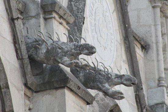 Basílica: Iguana gargoyles