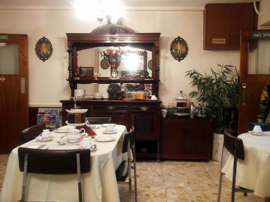 Russell House Hotel: sala colazione