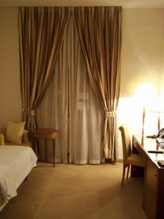 Grand Hotel Bonavia: room