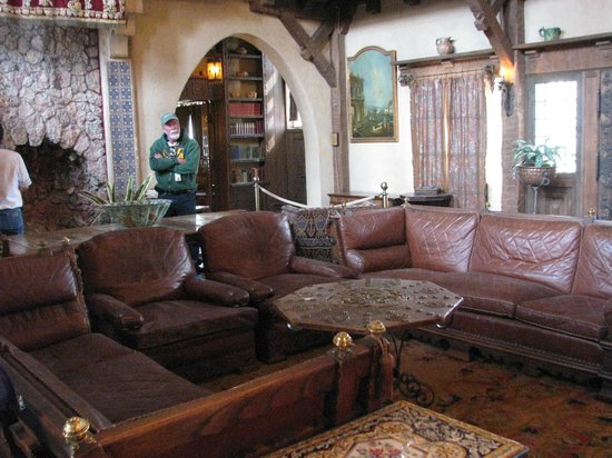 Scotty's Castle: Front room where they entertains