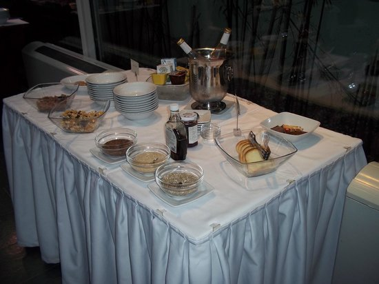 Grand Hotel Bonavia: breakfast buffet