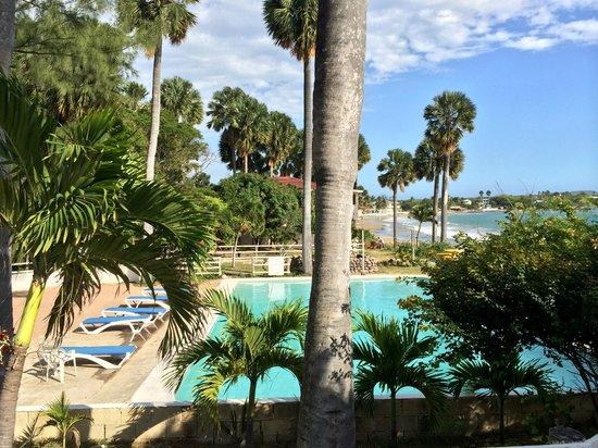 Treasure Beach Hotel: Basen dolny większy