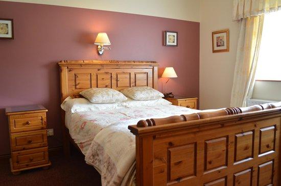 White Park Bed & Breakfast : Double en-suite bedroom ground-floor. White Park BB
