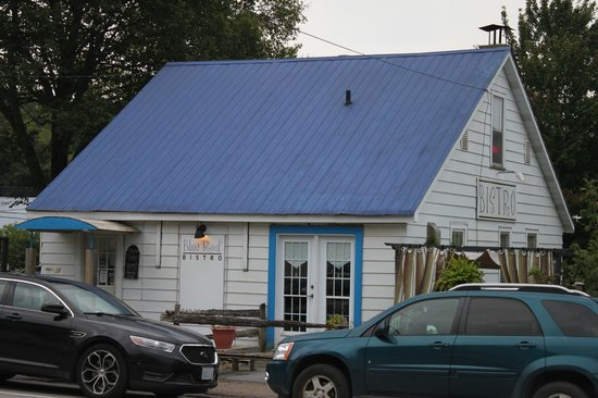 Blue Roof Bistro: Unassuming little place