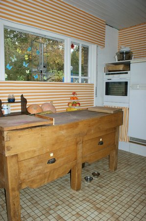Les Troubadours d'Amour: Shared kitchen for selfcooking (&cleaning)