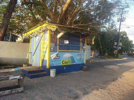 Cuz's Fish Shack: Cuzz's
