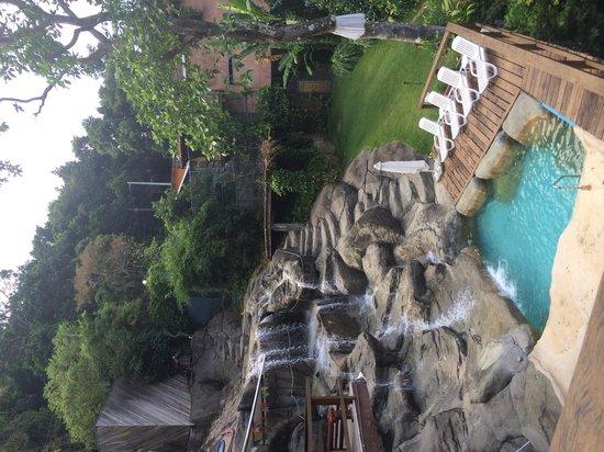 TuAkAzA Exclusive Boutique Lodge: Gorgeous waterfall pool