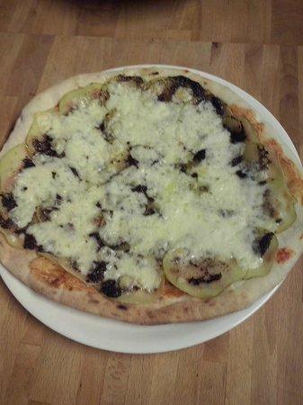 Gusto Italiano: PIZZA PATATA E TARTUFO