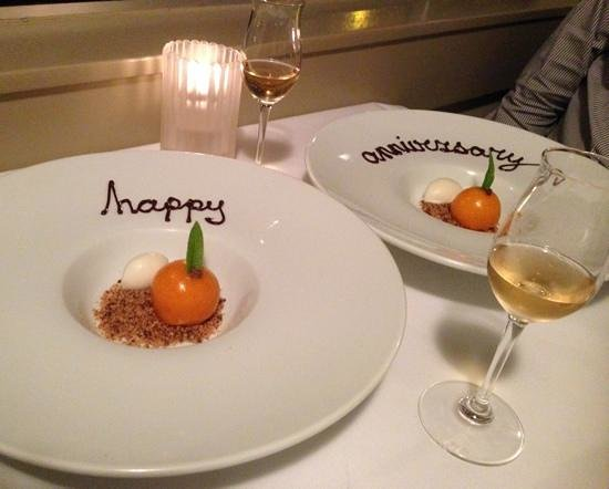 The White House Restaurant: Apricot cheesecake.... OMG this was devine