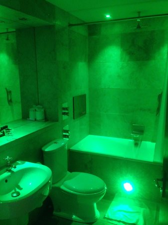The Crown Spa Hotel : Green lighting...can be turned on or off