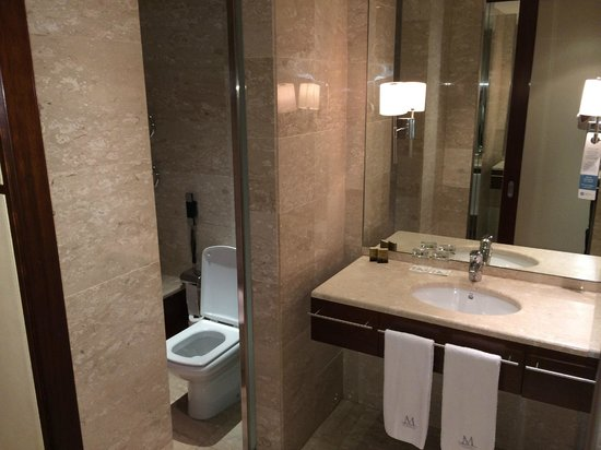 Eurostars Grand Marina Hotel: la salle de bain super équipée !