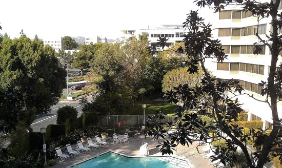 Fullerton Marriott at California State University: Room 412