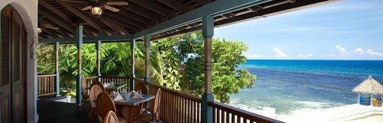 Christopher's: Ocean view from restaurant deck.