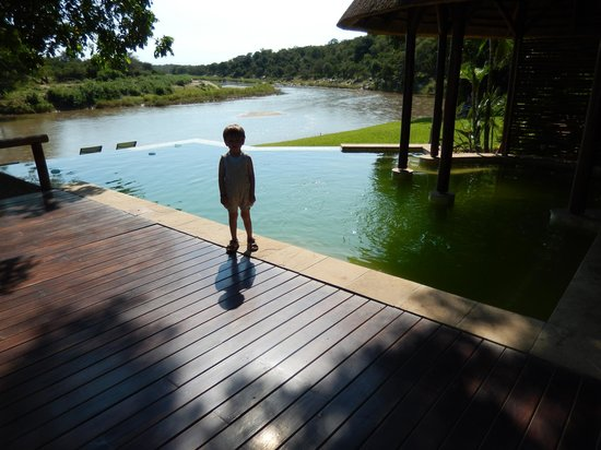 Naledi Bushcamp and Enkoveni Camp: swimming pool at the river