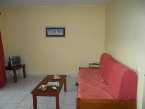 Pateo Village Apartments : Living area