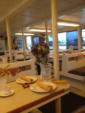 Starlite Waikiki - Waikiki Dinner & Fireworks Cruise