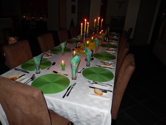 Naledi Bushcamp and Enkoveni Camp: stylish dinner table