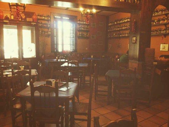 Casa Rufino: Salón acomodado para 42 personas, se celebran todo tipo de eventos!