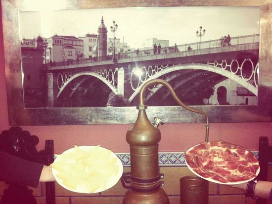 Casa Rufino: Jamón puro de bellota y queso puro de oveja, ven y pruebalo no te arrepentirás!