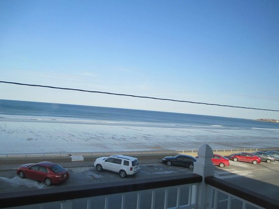 Nantasket Beach Resort: View of the balcony of room 212