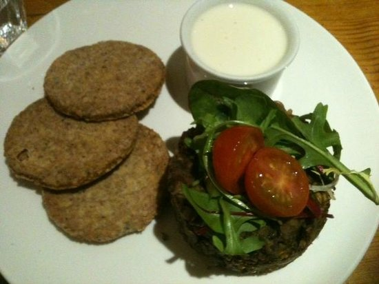 Hendersons Salad Table Restaurant: Whisky & Haggis starter with oatcakes and whisky soya cream sauce