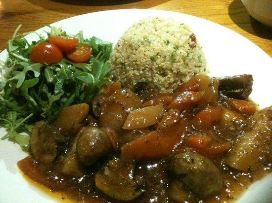 Hendersons Salad Table Restaurant: Mushroom Ragout with quinoa salad