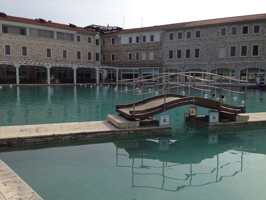 Terme di Saturnia Spa & Golf Resort: Le terme