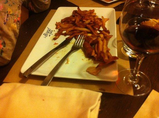 Rivesaltes, Frankreich: Frites baignant dans un jus d huile et de griasse