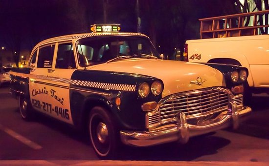 Downtown Historic Area : Taxi anyone?