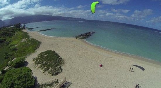 HST Windsurfing & Kitesurfing School : what a perfect morning to begin kite lessons!