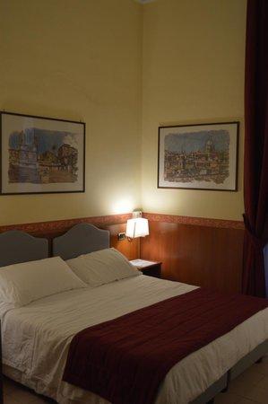 Hotel Ferrucci : Double