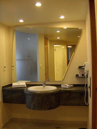 Hotel Villa Quijotes: Cuarto de baño