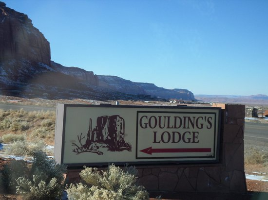 Goulding's Lodge & Campground: Sign to property