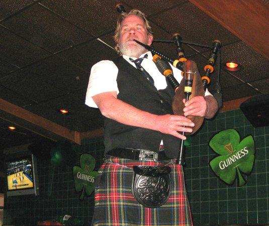 Village Tavern & Grill : Live Bagpiper at VTG St. Patrick's Day Event in Carol Stream
