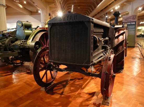El Henry Ford: Steam-driven Tractor