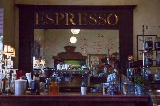 Olde World Bagels & Market : espresso bar
