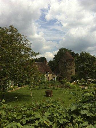 Villa Fol Avril : House in the village