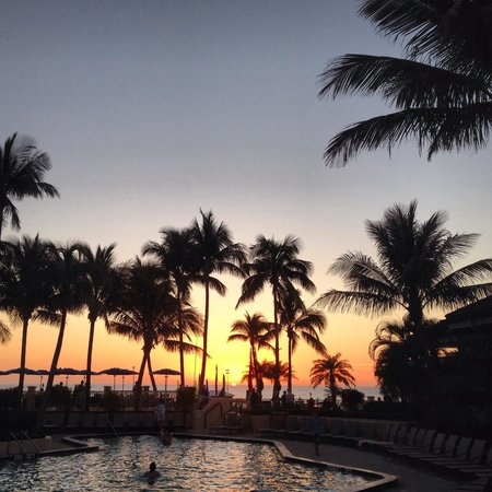 Hilton Marco Island Beach Resort--CLOSED FOR RENOVATIONS; REOPENING DEC. 1, 2017: Gorgeous sunsets!