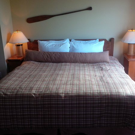 Middle Beach Lodge: King bed Room #26