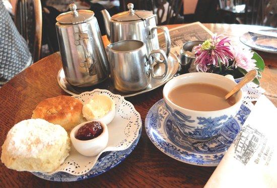 The Original Maids of Honour : Cream Tea set