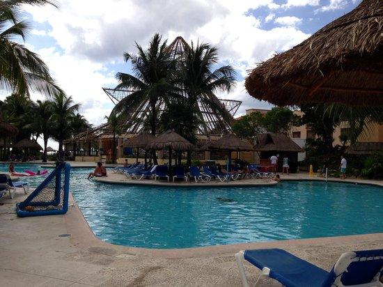 Sandos Caracol Eco Resort : Piscine
