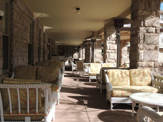 The Cliff House at Pikes Peak: porch