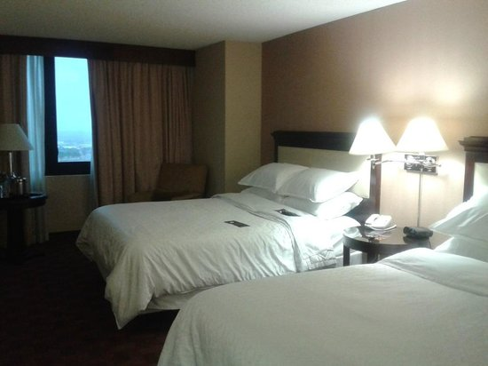 Sheraton Denver West Hotel: Camas